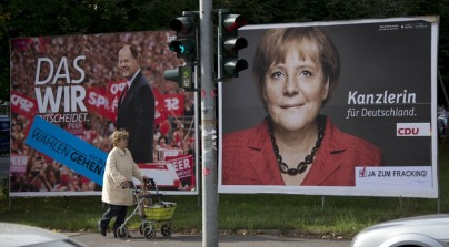GERMANY-POLITICS-VOTE-MERKEL-STEINBRUECK